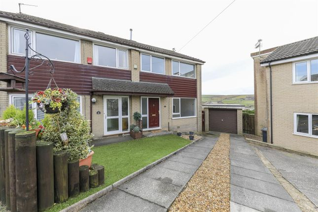 Thumbnail Semi-detached house to rent in Hempshaw Avenue, Loveclough, Rossendale