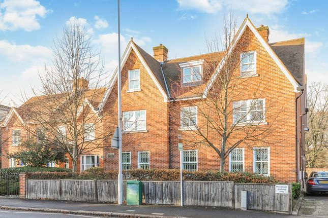 Thumbnail Flat for sale in Kingston Vale, London