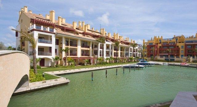 2 bed apartment for sale in Spain, Cádiz, San Roque, Puerto De Sotogrande