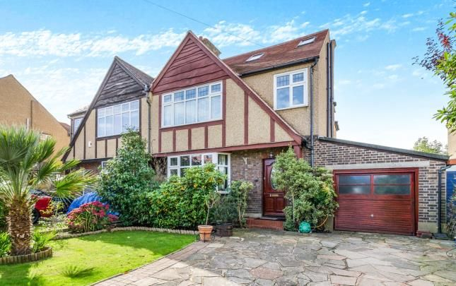 5 bed semi-detached house for sale in Greencourt Gardens, Croydon