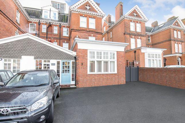 Flat for sale in Kirkley Cliff Road, Lowestoft