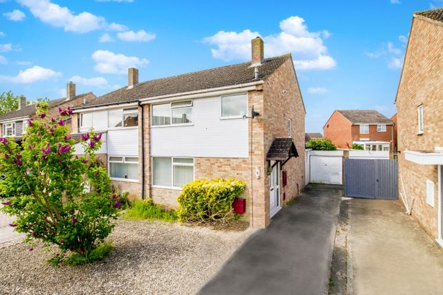 Thumbnail Semi-detached house to rent in Rowan Close, Kidlington