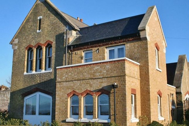 Thumbnail Property to rent in Cambridge Road, East Cowes