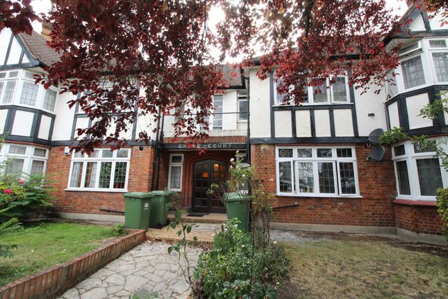2 bed flat to rent in Addington Grove, London SE26