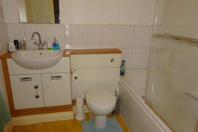 Bathroom of President House, Sovereign Park, York YO26