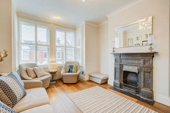 Thumbnail Maisonette to rent in Southfield Road, London