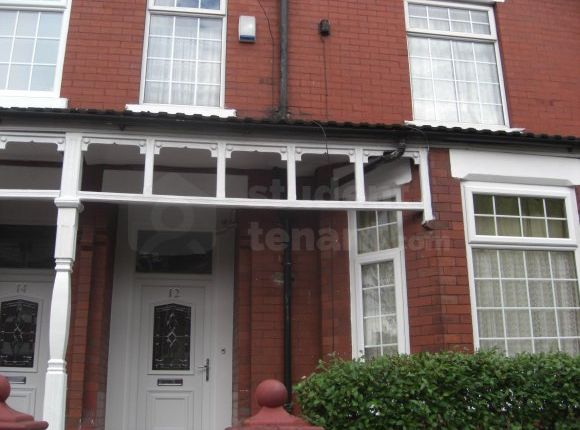 4 bed terraced house to rent in Kensington Avenue, Manchester, Greater Manchester M14