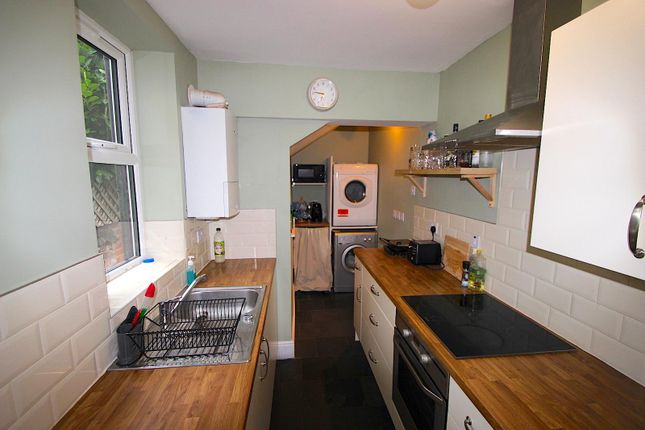 Kitchen of Shaftesbury Road, Leicester LE3