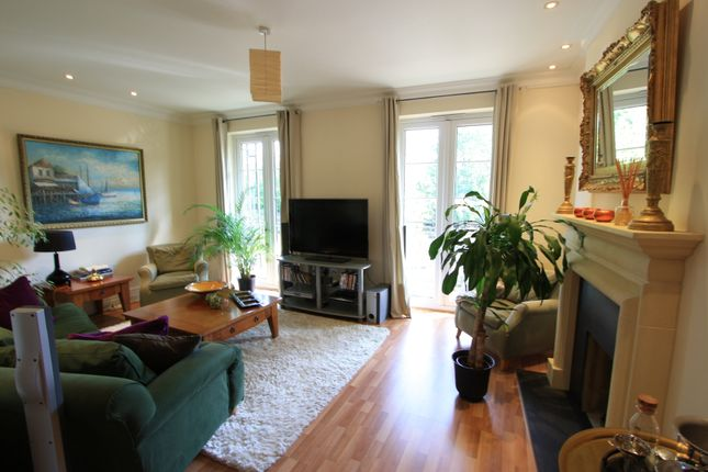 Thumbnail Flat to rent in Witcome Mews, Richmond