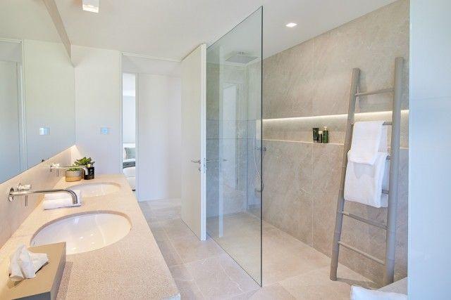 Bathroom +Shower of Spain, Mallorca, Calvià