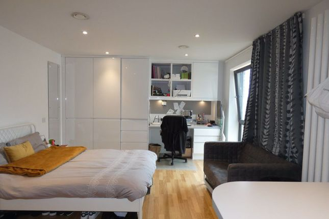 Studio to rent in East Road, Cambridge CB1