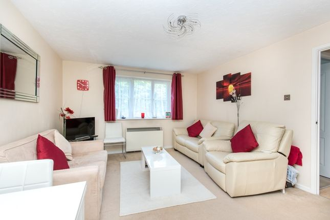 1 bed flat for sale in Osprey Close, Watford, Hertfordshire