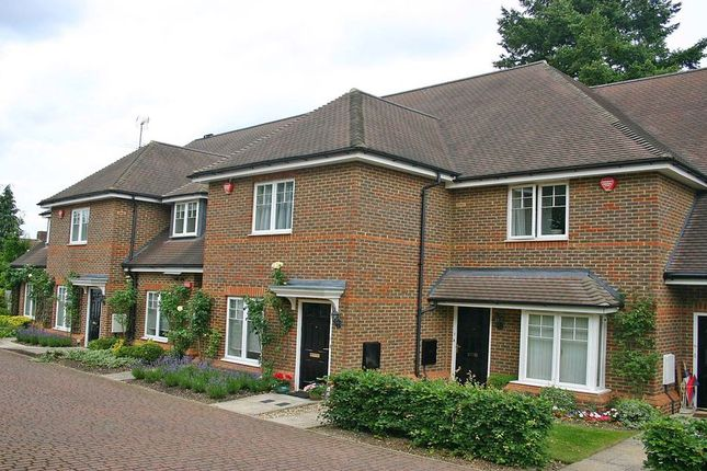 Thumbnail Flat to rent in St. Josephs Mews, Beaconsfield