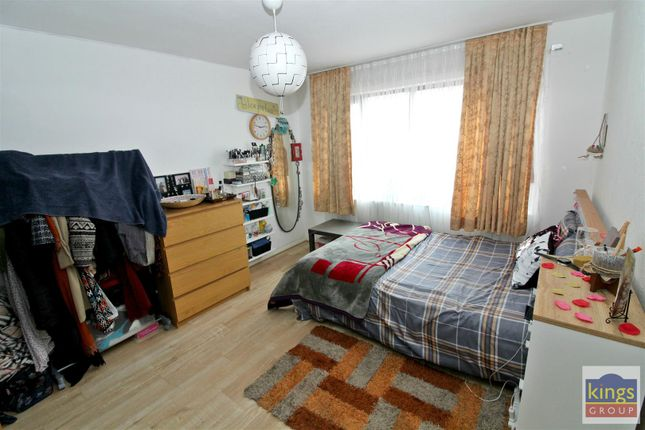 Bed2 A of Apprentice Way, Clarence Road, London E5