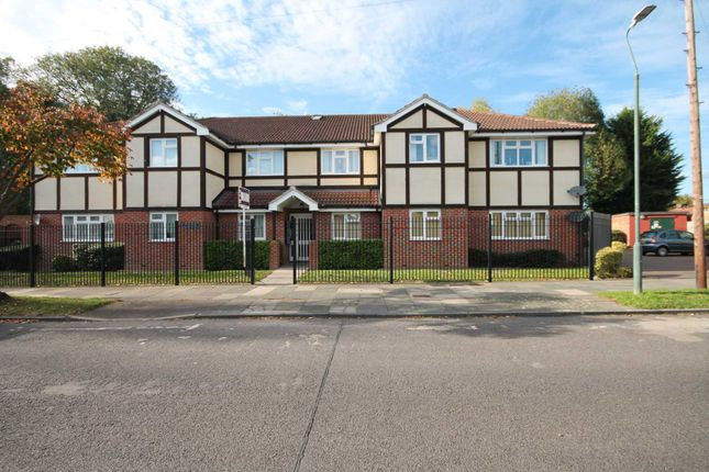 Thumbnail Flat to rent in Cedar Avenue, Sidcup, Kent