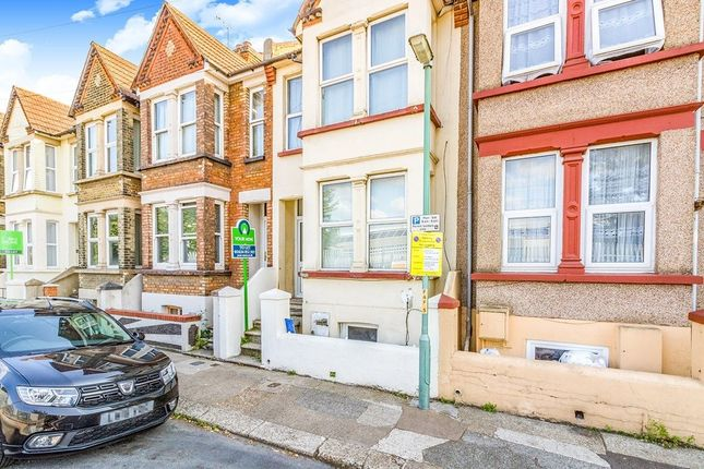 Terraced house to rent in Ferndale Road, Gillingham