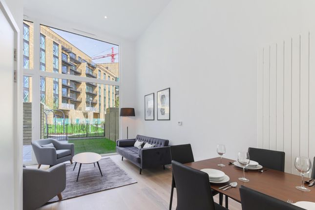 Thumbnail Property to rent in Rope Terrace, Royal Wharf, London