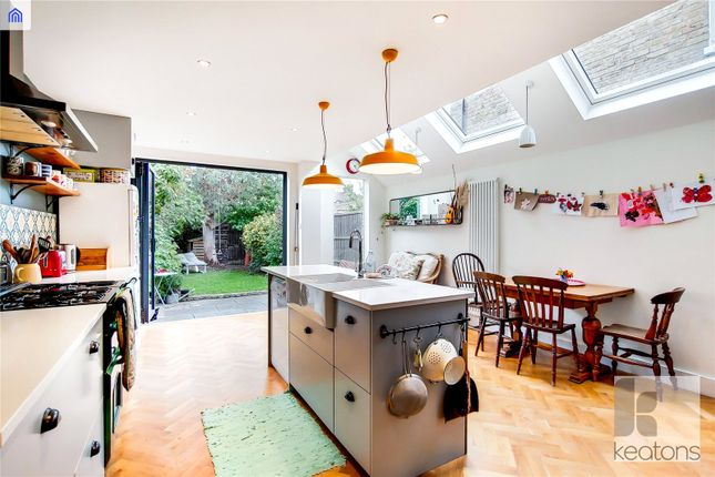 Thumbnail Property for sale in Roding Road, London