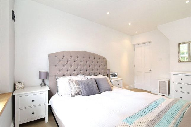 Bedroom of Ascalon Street, London SW8