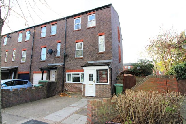 Thumbnail Town house to rent in Aspen Green, Erith