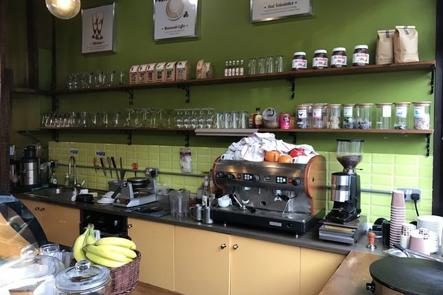 Thumbnail Restaurant/cafe for sale in Bethnal Green Road, London, London