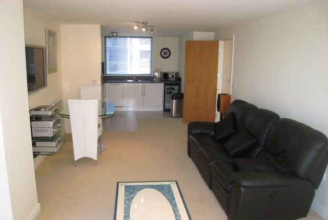 Thumbnail 2 bed flat to rent in Centenary Plaza, Holliday Street, Birmingham