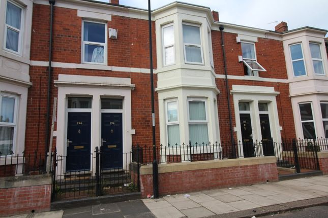 Thumbnail Flat to rent in Wingrove Avenue, Newcastle Upon Tyne