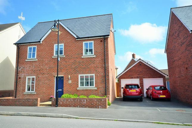 3 bed detached house for sale in Allen Road, Shaftesbury