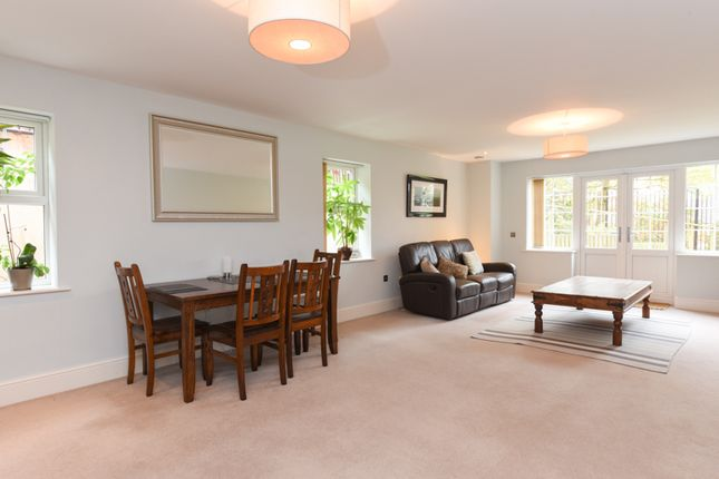 Thumbnail Flat for sale in Tudor Hill, Sutton Coldfield