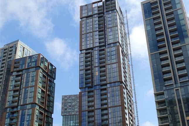 Thumbnail Property for sale in Maine Tower, Harbour Central, Canary Wharf, London
