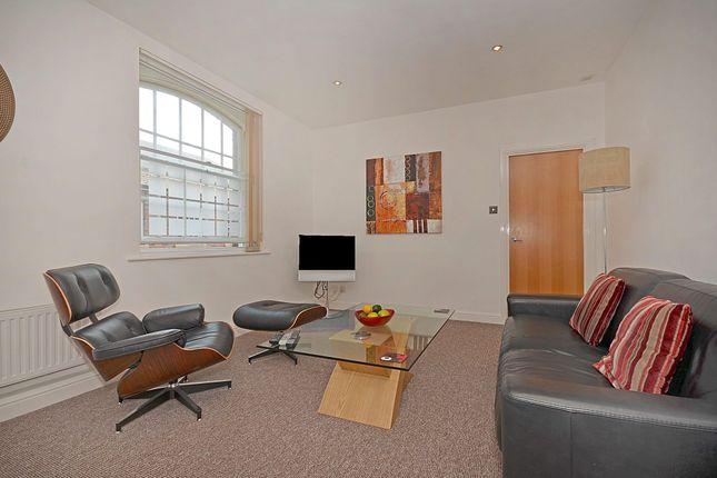 Thumbnail Flat to rent in King Street, York