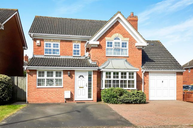 5 bed detached house for sale in Foxglove Drive, Biggleswade