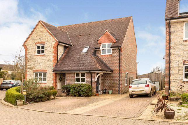 Thumbnail Maisonette for sale in Piece Close, Bicester