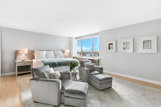 Master Bedroom of Manhattan, New York, Usa