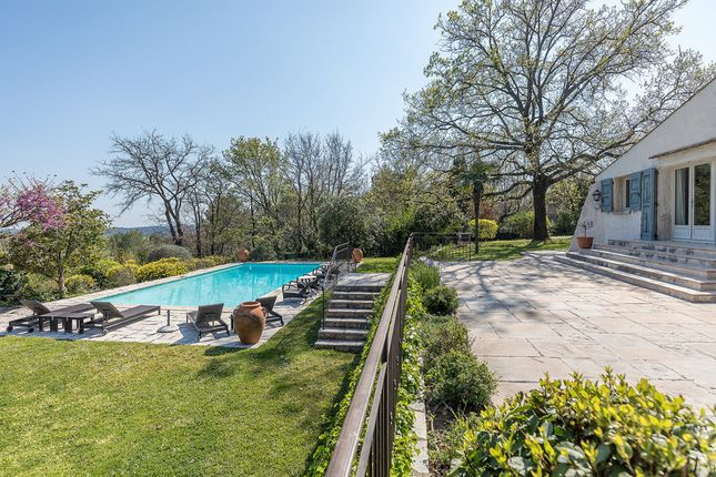 Villa for sale in Le Rouret, French Riviera, France