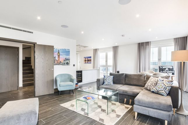 Thumbnail Flat to rent in Wiverton Tower, Aldgate Place