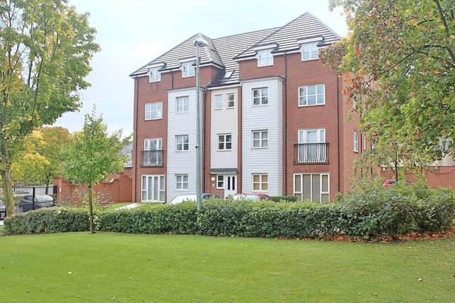 Thumbnail Flat for sale in Shottery Close, Ipsley, Redditch