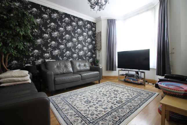 Thumbnail Property to rent in East Road, London
