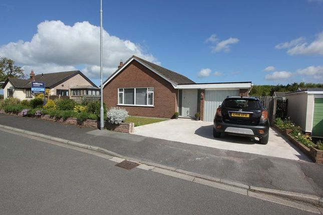 Thumbnail Bungalow for sale in Clwydian Avenue, Denbighshire, Trefnant