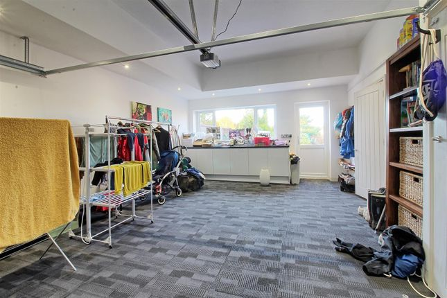 Double Garage of Rib Way, Buntingford SG9