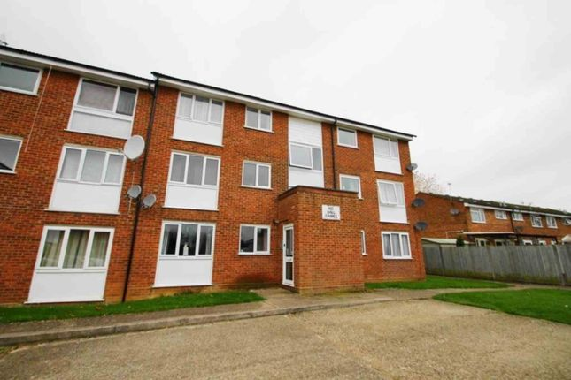 Thumbnail Flat to rent in Milton Dene, Hemel Hempstead
