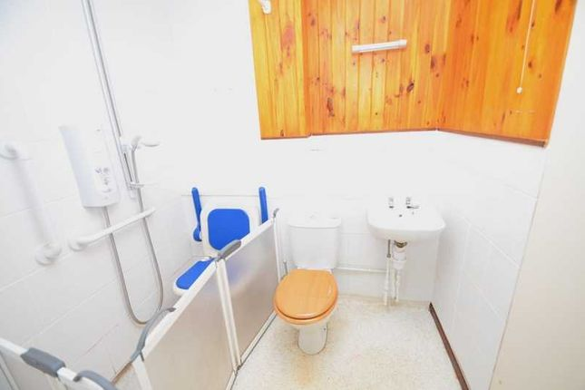 Bathroom of South View, Penryn TR10
