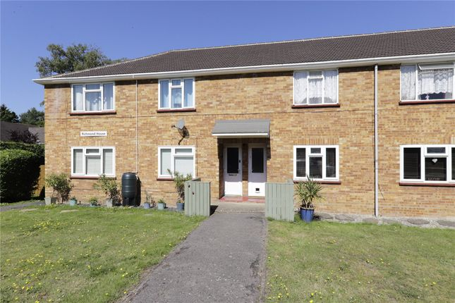 Thumbnail Maisonette for sale in Richmond House, College Road, College Town, Sandhurst