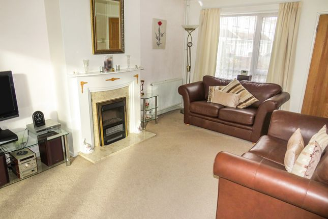 Lounge of Lincoln Close, Crawley RH10