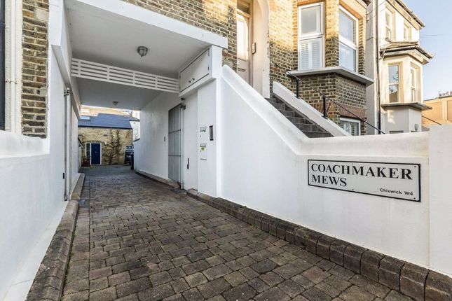 Thumbnail Property to rent in Coachmaker Mews, London