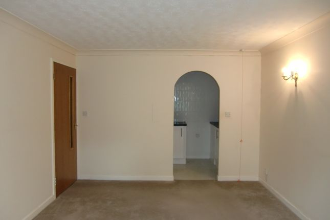 Thumbnail Flat to rent in Homegower House, St Helens Road, Swansea, West Glamorgan