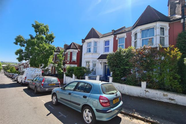 Thumbnail Terraced house for sale in Hewitt Road, London