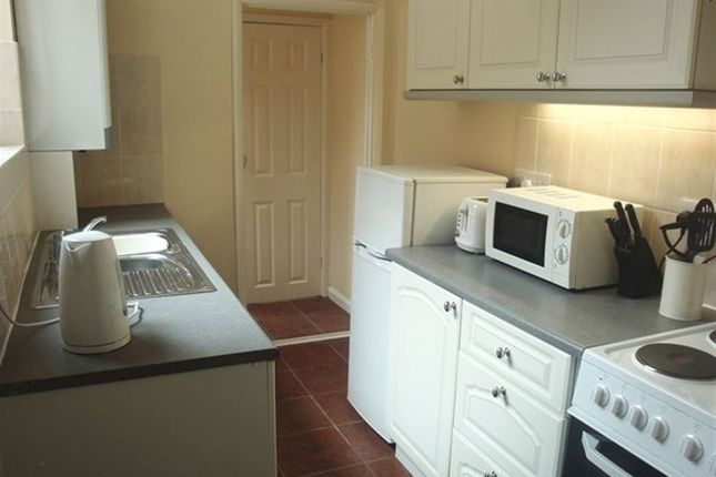 Thumbnail Flat to rent in Reading Road, South Shields
