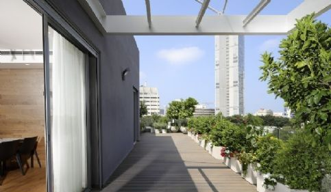 Thumbnail Duplex for sale in A Big Luxury Roof Duplex In Most Desirable Area In Tel Aviv, Moshe Sharet, Tel Aviv, Israel