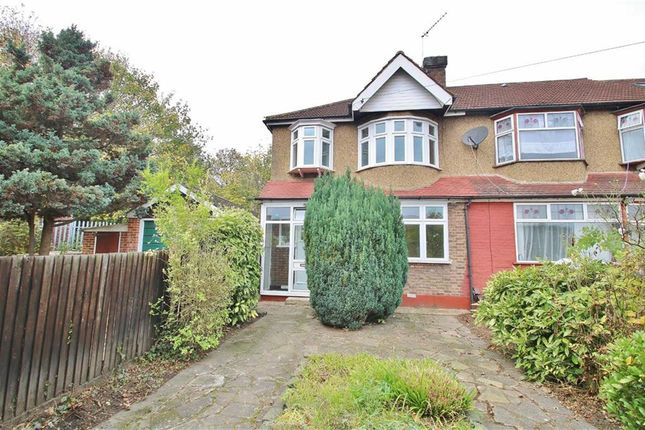 Thumbnail Semi-detached house to rent in Links Avenue, Morden